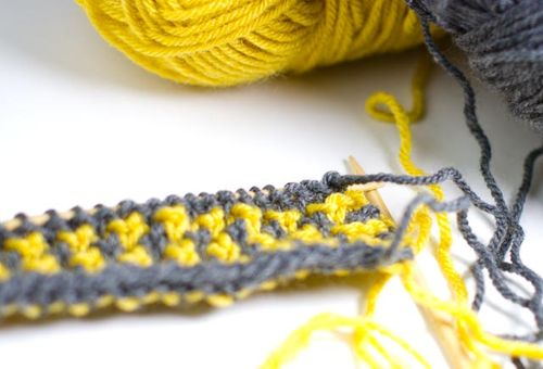 Cynthia Shaffer - Mustard and Gray Houndstooth : : Knitting for a ...